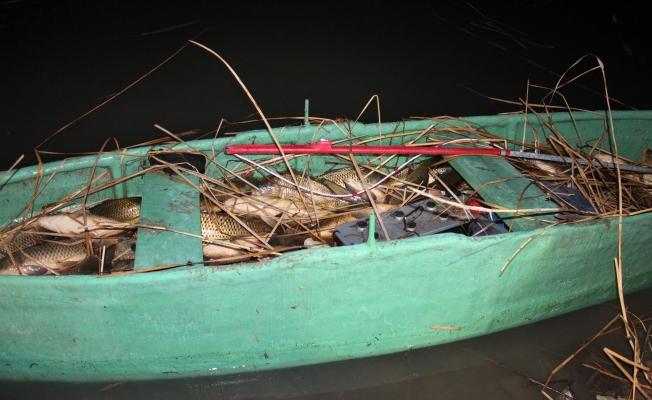 Beyşehir Gölü'nde elektroşokla avcılık