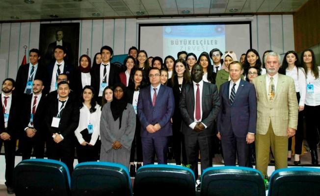 Büyükelçiler öğrencilerle buluştu