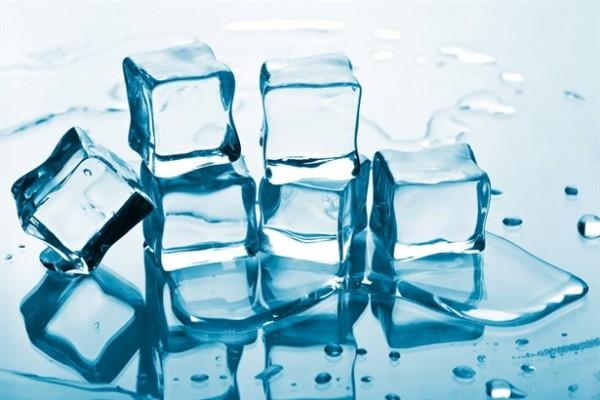 Her sabah yüzünüzde buz gezdirirseniz...