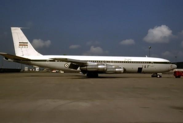 İran'da 707 tipi kargo uçağı düştü