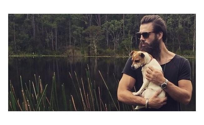 """""""Araştırmaya göre köpekler sakallı erkeklerden daha temiz"""""""