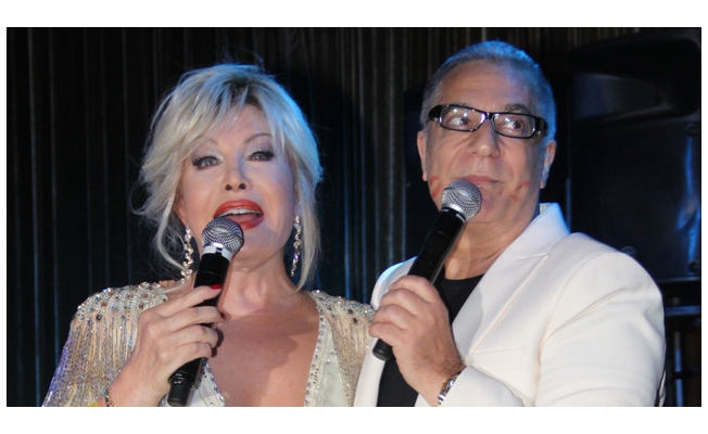 Emel Sayın konserinde Mehmet Ali Erbil sürprizi