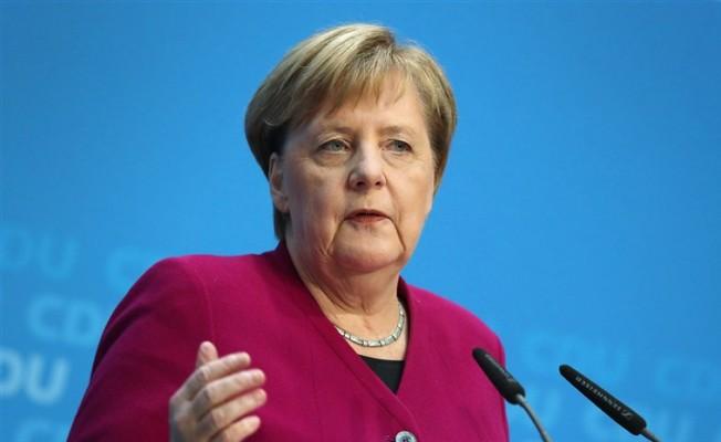 Merkel: Makul bir süre tanınmalı