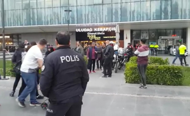 Bursa'nın göbeğinde kız kavgası kanlı bitti