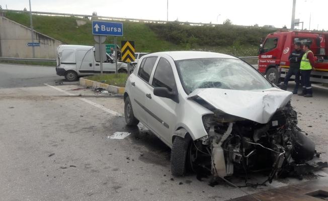 Bursa'da trafik kazası: 1 ölü, 2 yaralı
