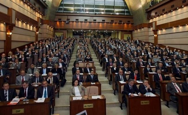 İBB Meclisi'nden 19 Mayıs ve öğrenci akbili kararı