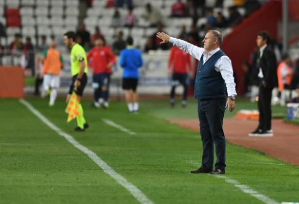 Bursaspor'da teknik direktör kıyımı