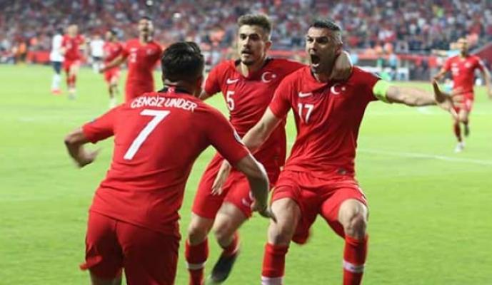 Cengiz Ünder İzlanda maçında şüpheli