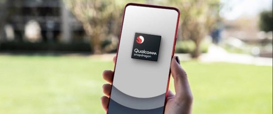 Qualcomm 215 tanıtıldı! Şarj etme hızını ikiye katlıyor