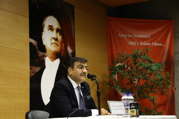 Prof. Dr. Hacısalihoğlu'ndan liselilere: Unutulan ihanet tekrarlanır