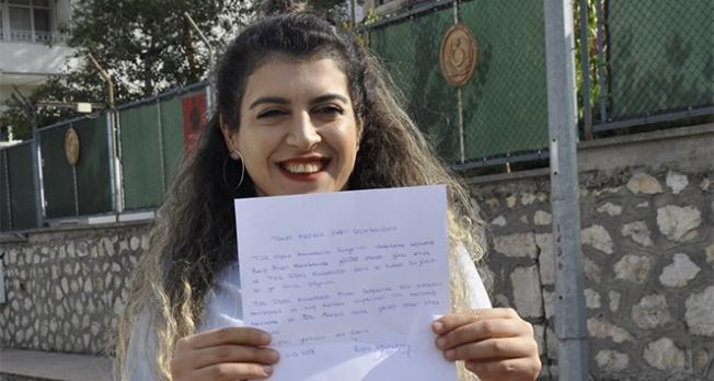 Genç kadın  Barış Pınarı Harekatı için dilekçe verdi