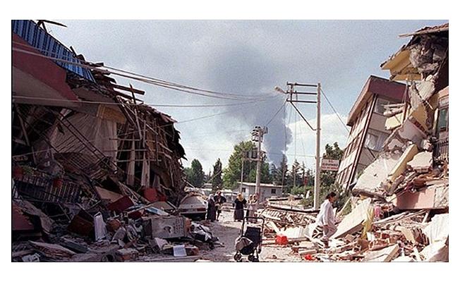5,9 büyüklüğünde deprem: 5 ölü