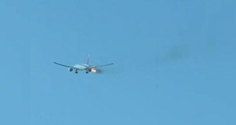 347 yolcuyu taşıyan uçak havadayken alev aldı!