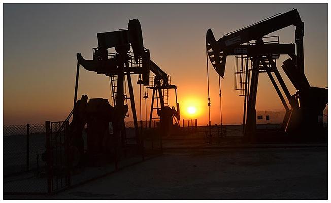 Altın fiyatları düştü  petrol yükselişte