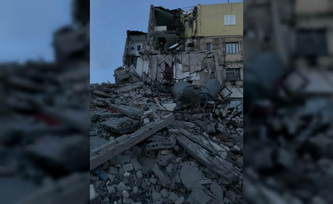 Arnavutluk'ta 6.4 büyüklüğünde deprem!