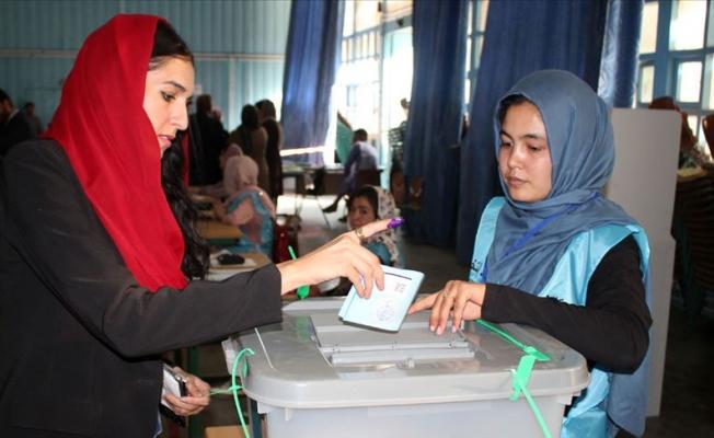 Afgan halkı  seçim sonucunu hala öğrenemedi