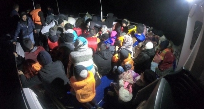 Çanakkale'de 44 göçmen yakalandı