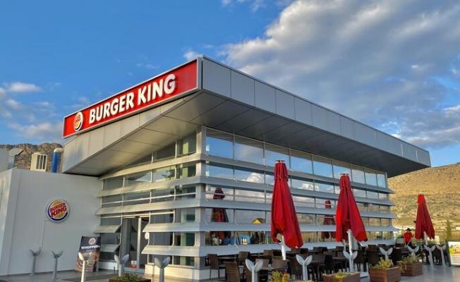 Fast-food devi KKTC'de Rum ambargosunu deldi