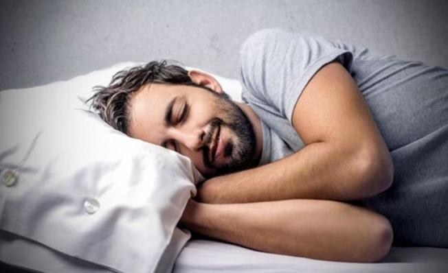 Türkler 7,5 saat uyuyor