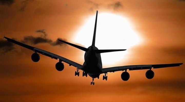 Afganistan'da yolcu uçağı düştü