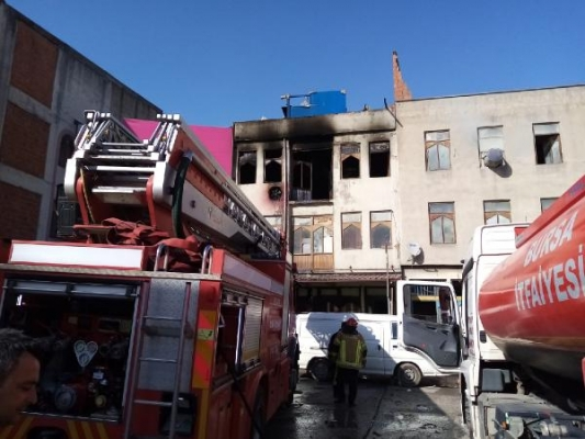 İnegöl'de mobilya aksesuarları imalathanesinde yangın