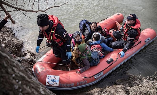 Meriç Nehri'nde mahsur kalan göçmenlerin imdadına AFAD yetişti