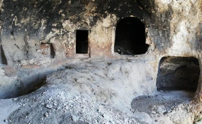Teröristlerin 3 kış sığınağı imha edildi