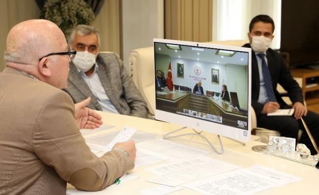 Başkan Sekmen'den Bakan Ersoy'a turizm sunumu
