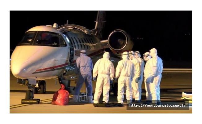 Koronavirüs hastası 2 Türk vatandaşı, ambulans uçakla Rusya'dan Bursa'ya getirildi
