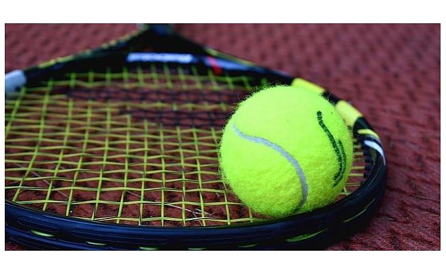 Yetişkinler için tenis kursları başlıyor