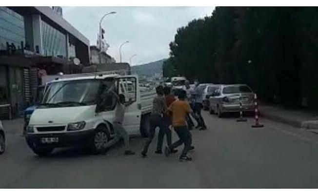 Bursa'da yol verme kavgası