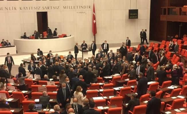 """Bakan Gül: """"Yargının hukukun değil, vesayet düzeninin bekçiliğini yaptığı dönemler geride kaldı"""""""