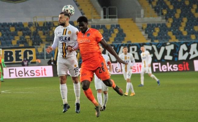Süper Lig: MKE Ankaragücü: 1 - Medipol Başakşehir: 2 (Maç sonucu)