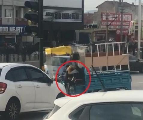 Bursa'da motosiklette kadını darp etti!