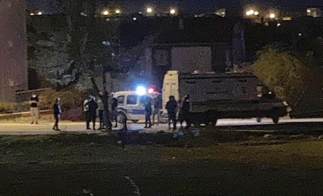 Hafif ticari araç motosikletle çarpıştı: 3 ölü, 1 yaralı