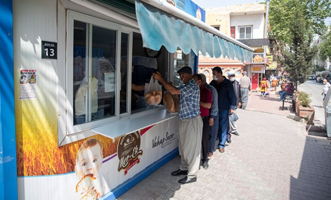 Hayırseverin ücretini ödediği 5 bin ekmek ücretsiz dağıtıldı