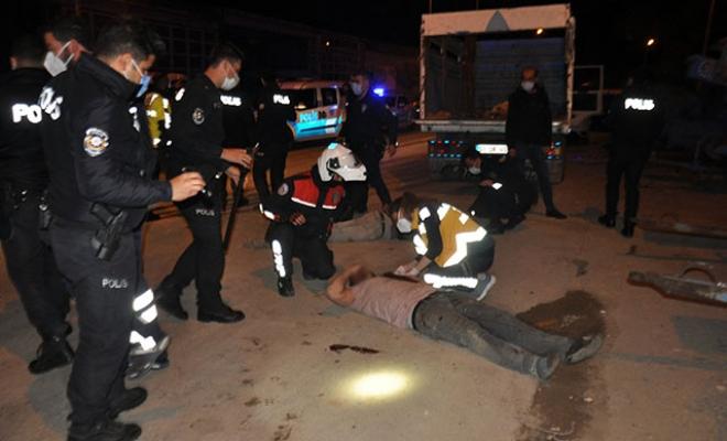 Hurdacı akrabalar arasında bıçaklı- sopalı kavga: 4 yaralı, 13 gözaltı