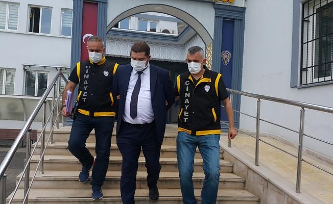 Bursa'da eski sevgilisi ile iş arkadaşını vuran şüpheli, takım elbiseyle teslim oldu