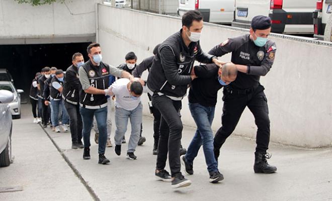 Uyuşturucu operasyonlarında gözaltına alınanlar adliyeye sevk edildi