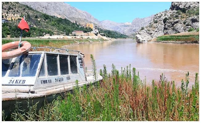 Atık sular, kuraklık ve HES; Kemaliye'de su sporlarına gölge düşürdü