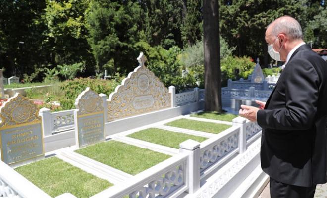 Cumhurbaşkanı Erdoğan anne ve babasının mezarını ziyaret etti