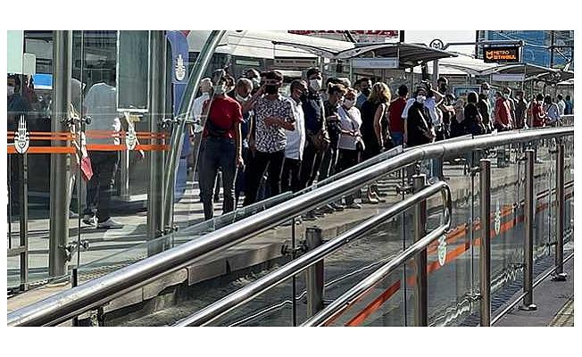 Normalleşmenin ilk gününde toplu taşımada yoğunluk