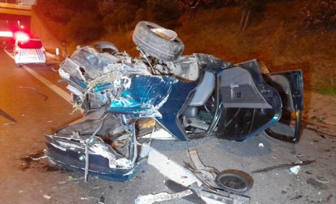 TEM Otoyolu'nda takla atıp hurdaya dönen otomobilde bir kişi yaralandı