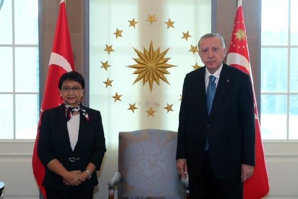 Cumhurbaşkanı Erdoğan, Endonezya Dışişleri Bakanı ve Tacikistan Meclis Başkanı'nı kabul etti