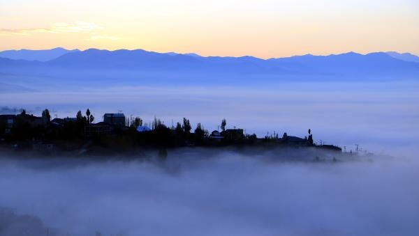 Heavy fog blankets Yuksekova and Corlu in Turkey