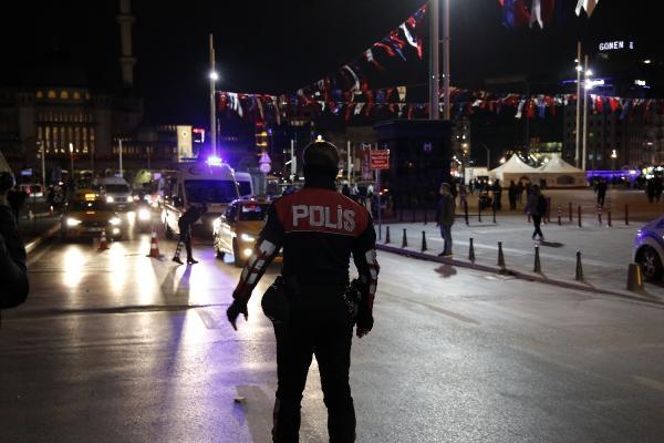 Taksim'de polis noktasındaki taksiciye küfür edince gözaltına alındı