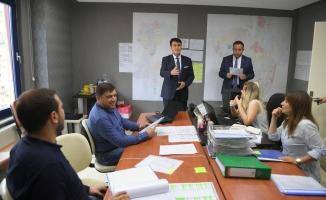 Dündar, Seçim Koordinasyon Merkezi'ne destek ziyareti
