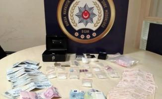 Bursa'da narkotik polisinden baskın!