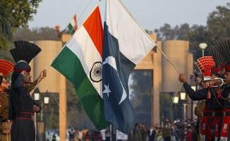 100 Hint mahkum serbest bırakıldı