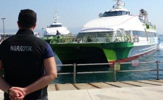 Bursa'da, deniz otobüsü terminallerinden uyuşturucu uygulaması
